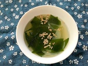 わかめと新玉ねぎの韓国風スープ