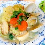 キャベツロールと貝とベーコンのポトフ