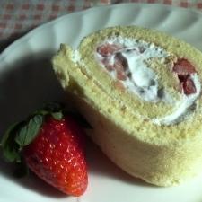 豆乳苺ロールケーキ