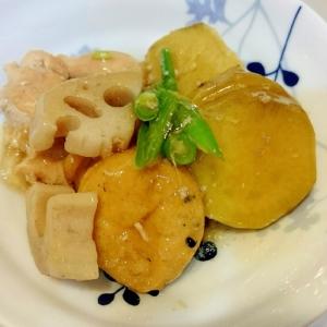 鶏とサツマイモ、がんもの煮物