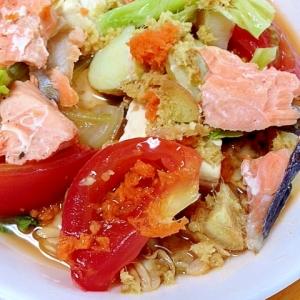 暑さ解消!鮭と豆腐のピリ辛スープ