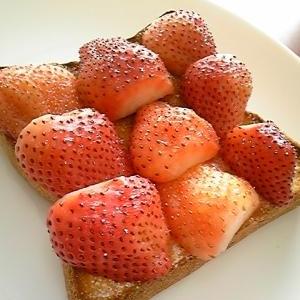 ジャムのような苺のトースト