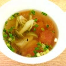 トマトとしめじのスープ