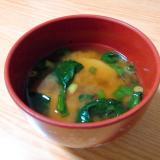 鉄分補給☆じゃがいもとほうれん草と小ねぎの味噌汁