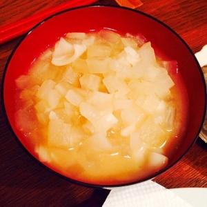 大根と餃子の皮の味噌汁