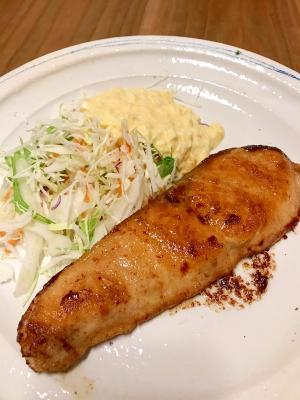 鮭のバター醤油ソテー