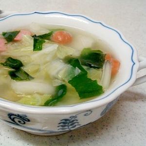 白菜とウインナー、ワカメの中華スープ
