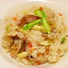 圧力鍋で☆アサリと細竹の子の洋風炊き込みご飯