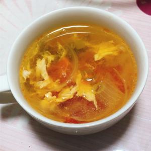 トマトと玉ねぎの中華スープ