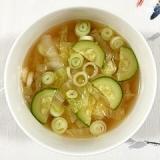 白菜とズッキーニのスープ