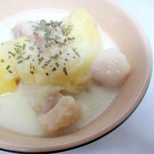 圧力鍋でジャガイモ、塩豚、押し麦のミルクスープ