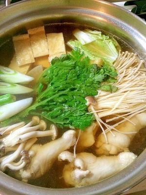 手羽元で☆お出汁が美味しいお鍋です。