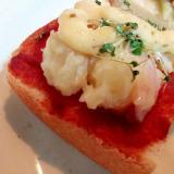あらごしトマトとポテサラとスプラウトのミニトースト