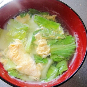 青梗菜と卵の味噌汁