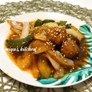 ヨシダソースで肉団子と野菜の炒め物