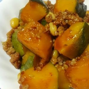 南瓜と鶏挽き肉と大豆の甘辛味噌煮*