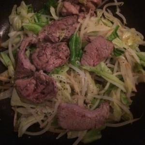 野菜たくさん!ラム肉のハーブ焼き