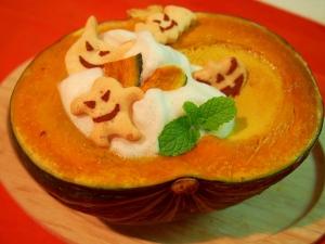 器もかぼちゃのハロウィーンプリン!(豆乳を使用)