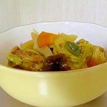 厚揚げ・春キャベツ・新玉葱。美味!蒸し煮のカレー味