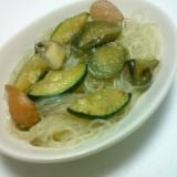 春雨と野菜のマルコメ鶏がら塩糀スープの素炒め