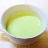 緑が綺麗なグリンピースの簡単ポタージュ♪