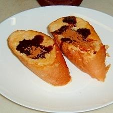チョコレートシロップかけフレンチトースト