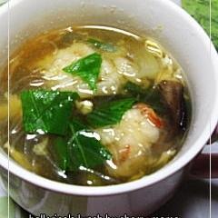 エビ団子のタイ風スープ