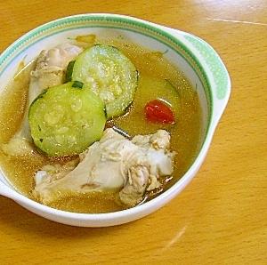 鶏とズッキーニのスープ煮