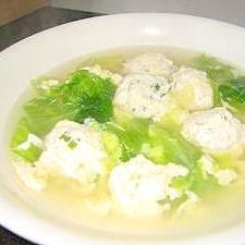 風味バツグン! しそ入り鶏団子のレタススープ
