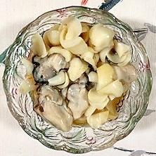 牡蠣とユリの根の和え物