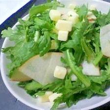 春菊りんごチーズのサラダ