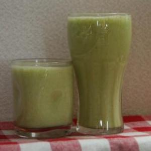 三つ葉とフルーツのミックスジュース(モスグリーン)