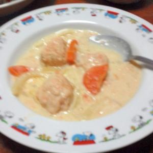 おから鮭ボールの豆乳味噌クリーム煮込み
