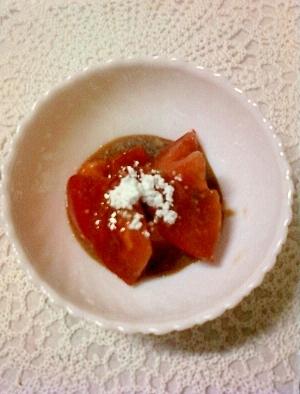 ハニーシュガーチョコシロップで絡めたトマトのおやつ
