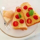 トマトとバジルのハーブトースト