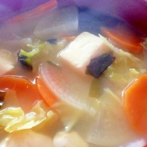 野菜と大豆をたっぷりとれるスープ♪