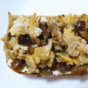 醤油豆の卵炒めトースト