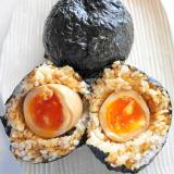 とろ~り半熟煮卵を丸ごと包む!半熟煮卵おにぎり