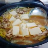 豆腐と豚バラのとんこつ味噌鍋