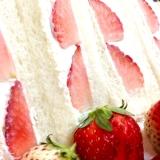 マスカルポーネクリームの苺サンド