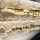 ツナマヨのバジル玉子サンド