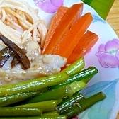 鶏肉、にんにくの茎のにんにく醤油炒め