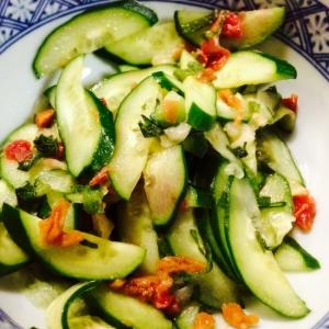 【ガサツ料理】余った薬味で胡瓜の梅肉和え