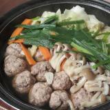 肉だんごと野菜のにんにく醤油鍋