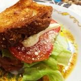 トマトチーズデニッシュサンド