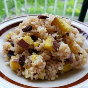 【独居自炊】玄米さつま芋レーズン飯