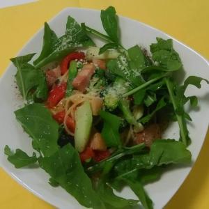 夏野菜を楽しむ  ベーコンとオリーブオイルのパスタ