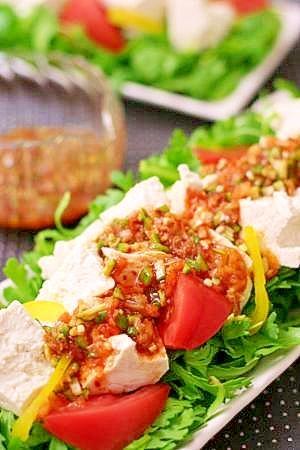 とろろんコリアぽんde春菊とお豆腐のサラダ