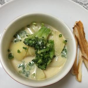 食べる洋風味噌スープ★じゃがいもとブロッコリー★