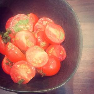 ミニトマトと大葉のえごまマリネ
